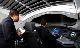 """郑州:高铁""""探路者""""为春运护航"""