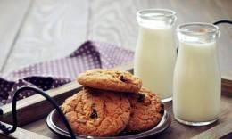 喝全脂牛奶,儿童少肥胖