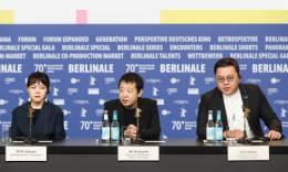贾樟柯纪录片《一直游到海水变蓝》在柏林电影节全球首映