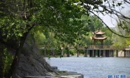 济南:绿水青山春色宜人