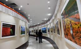 青藏高原各族人民的新生活主题摄影展览在京开幕
